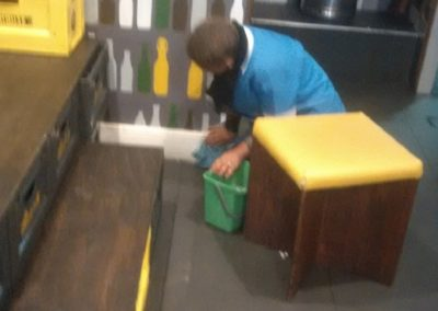 Cleaning the floors and corners - Beerhouse