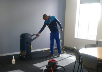 School dry carpet cleaning