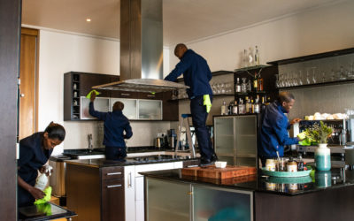 IS IT TIME TO HIRE A PROFESSIONAL CLEANING COMPANY?